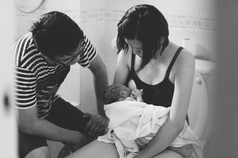Malaysia-Family-Lifestyle-Water-Birth-New-Born-Photographer-Inlight-Photos-Joshua-QY0009
